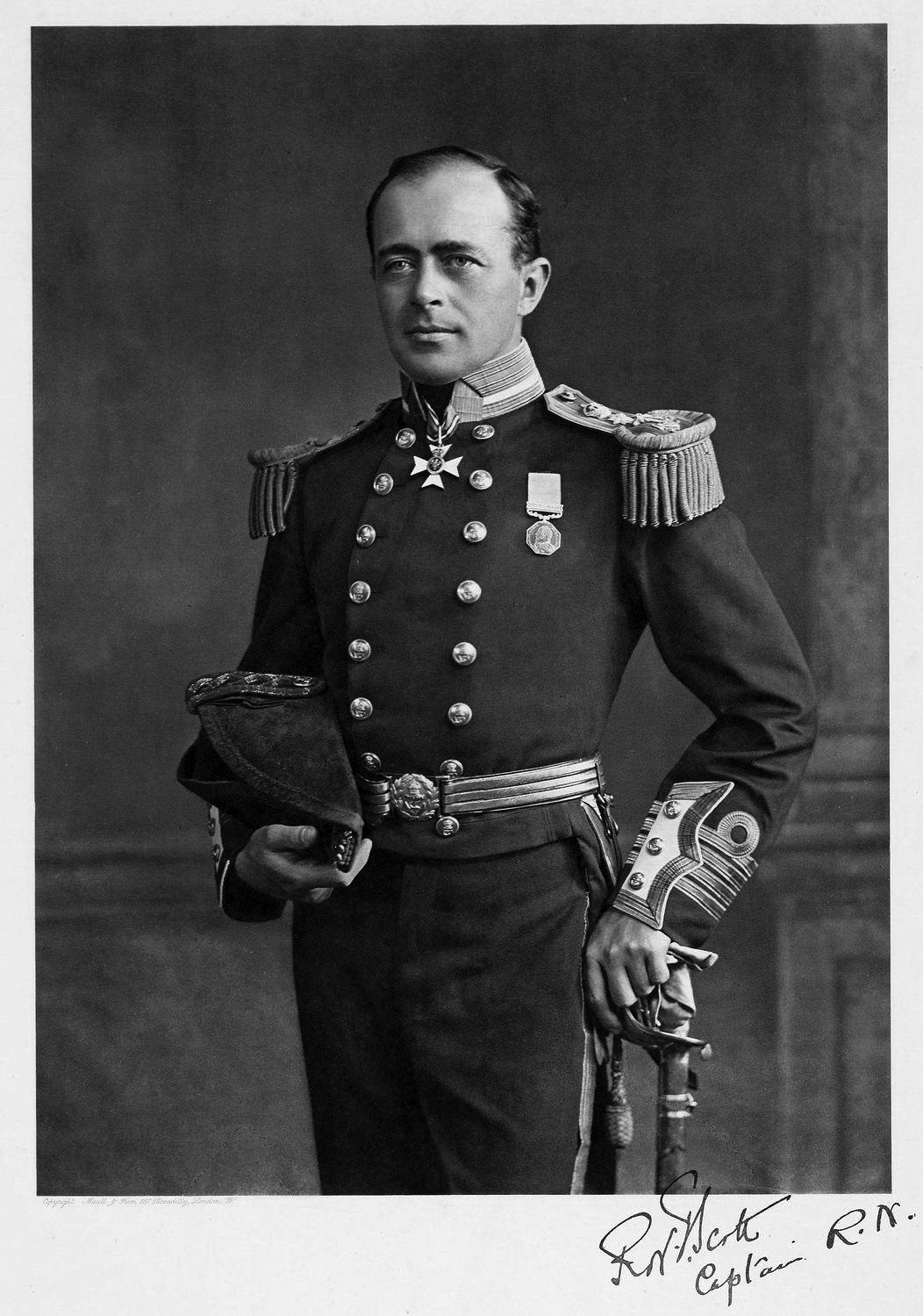 Captain Scott and the Discovery Expedition to Antarctica of 1901-1904