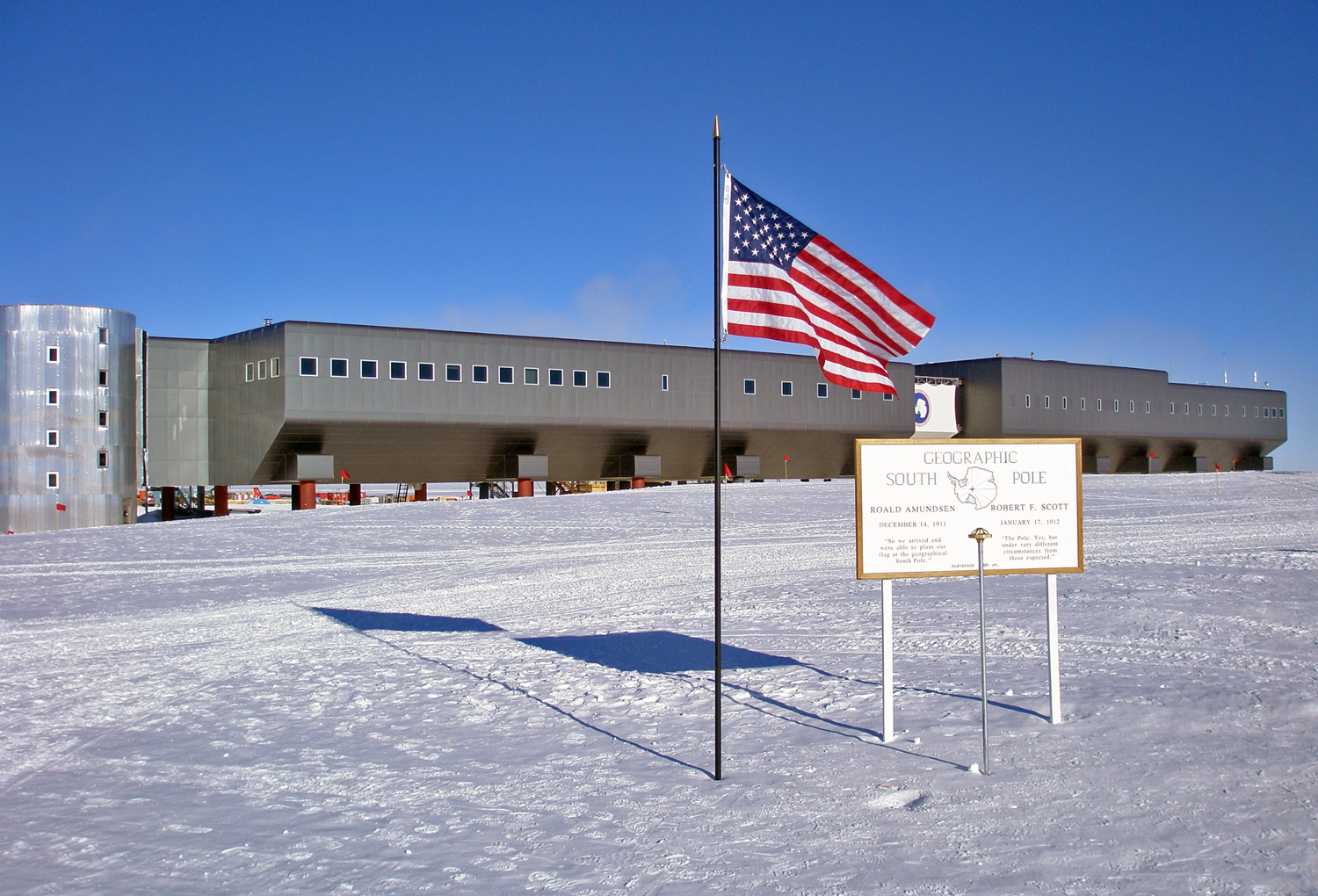 South pole station buildings at the south pole for Modern pole builders