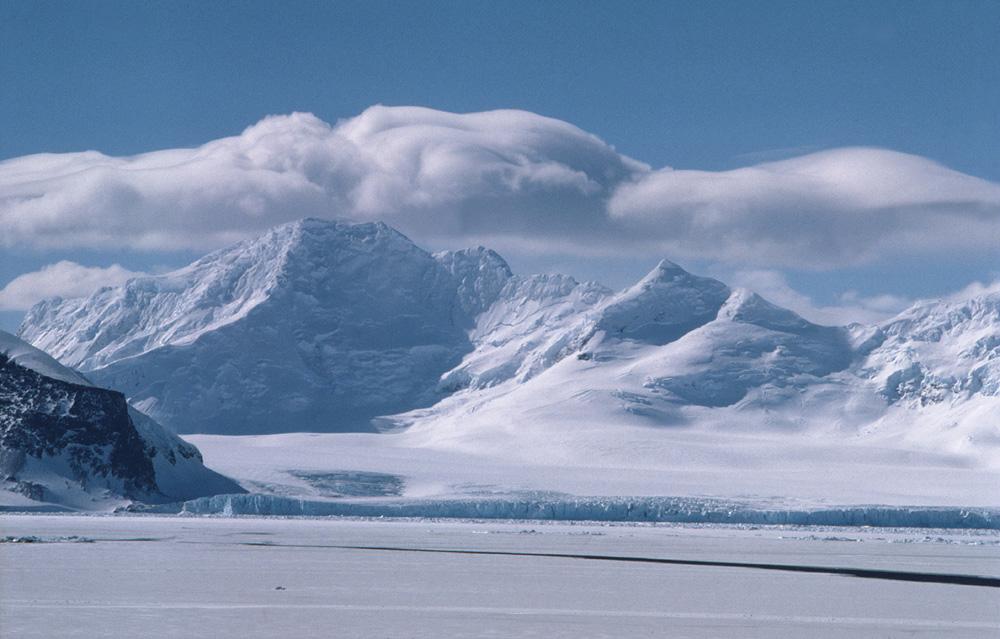 antarctica mountains 3