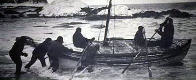 The James Caird sets off from Elephant Island